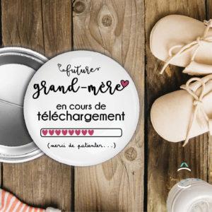 Badge – Future grand-mère en cours de téléchargement