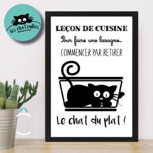 Cadre – Leçon de cuisine. Pour faire une lasagne, commencer par retirer le chat du plat!